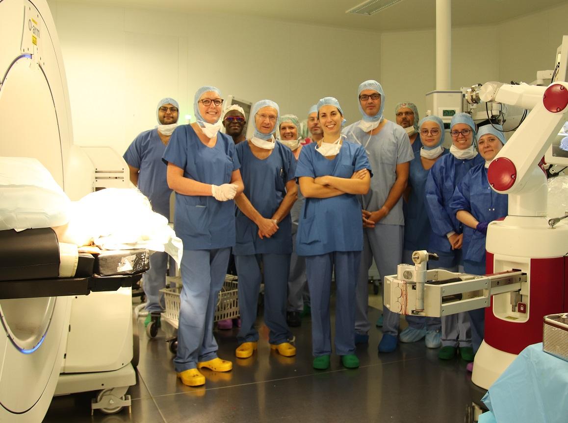 1ère mondiale ORL au CHU Amiens Picardie : pose d'un implant auditif (cochléaire) sous assistance robotisée complète